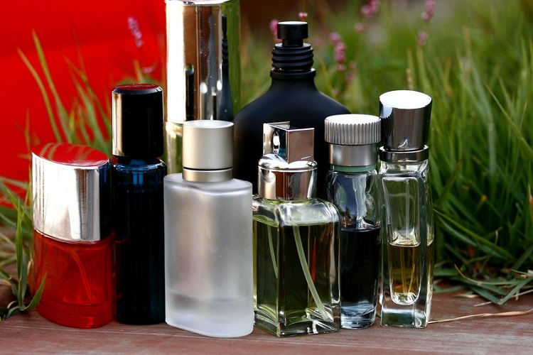 How to Identify Fake Perfume at a Duty-Free Store? 6 Tips Revealed!